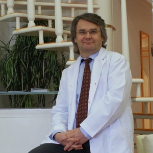 Medical Esthetician Dr. Mehmet Akgün